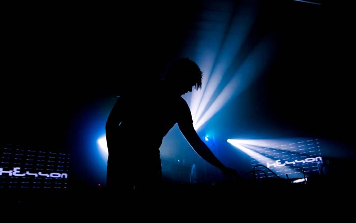 dj-mixer-wallpapers-bjorn-akesson-trance-in-the-club-dj-mixer-wallpaper-hd-2012-free-download-2013-1366x768-1680x1050-for-android-wallpapers