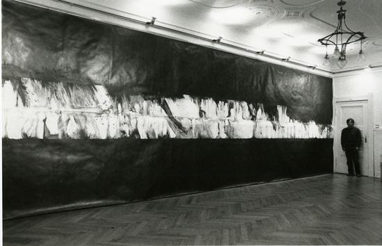 Nagare-8, 1983 Graphite and turpentine on paper 300 x 1000 cm / 118 1/8 x 393 3/4 in © Takesada Matsutani Courtesy the artist and Hauser & Wirth